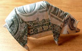Курс доллара пробил исторический максимум и продолжает расти