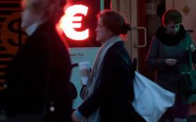Почему евро падает, а доллар растет