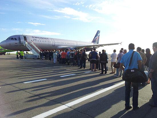 Внутренние рейсы «Аэрофлота» будет обслуживать сотня российских лайнеров