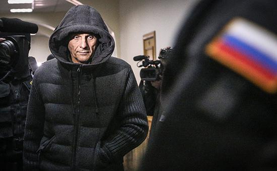СМИ сообщили о налоговой афере в связи с делом губернатора Сахалина