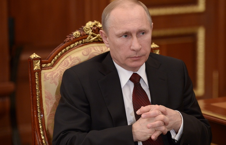 Путин отмечает рост задержек по выплате зарплат в 2015 году