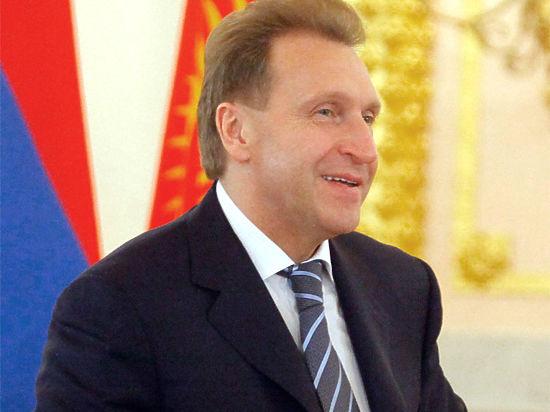 Шувалов советует брать кредиты в рублях и призывает к спокойствию