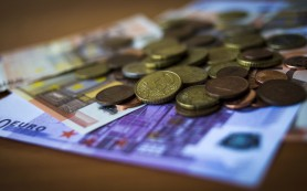 Курс евро превысил 61 рубль впервые с 6 апреля