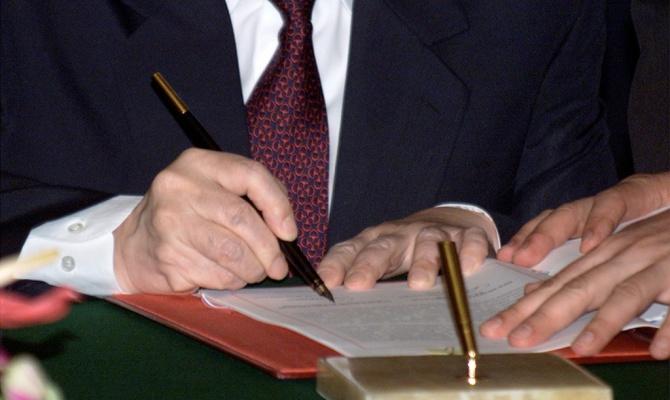 Минтруд разработал законопроект о повышении до 65 лет пенсионного возраста для госслужащих