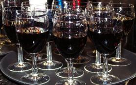 Глава Крыма предлагает законодательно разрешить употребление вина в лечебных целях