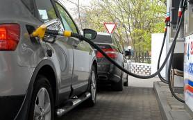 Цены на бензин вслед за долларом растут как на дрожжах
