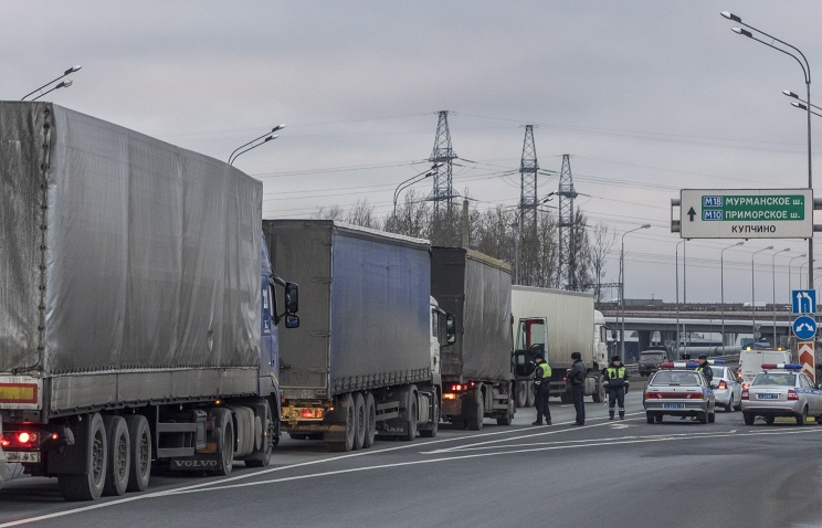 Средства за проезд большегрузов пойдут на строительство транспортных коридоров