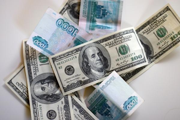 В следующем году доллар подорожает