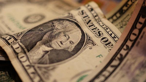 ЦБ объяснил, почему в РФ долларизация депозитов ниже, чем в Казахстане