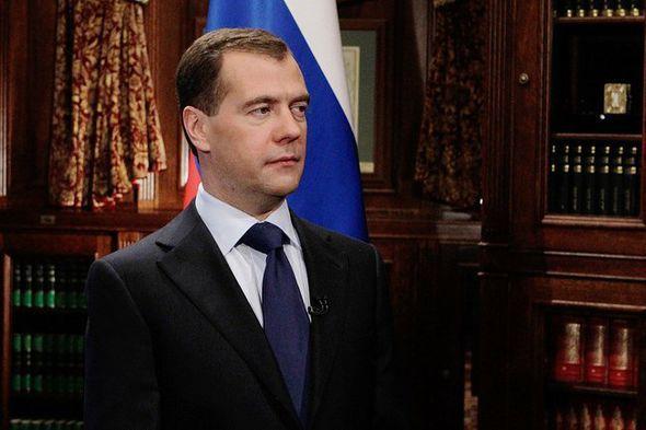 Медведев продлил эмбарго
