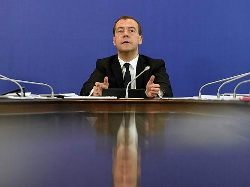 Медведев увеличил субвенции для отдельных категорий граждан