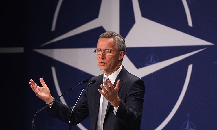 НАТО водит хоровод вокруг России