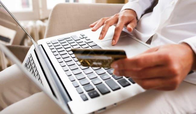 Можно ли взять деньги в долг через интернет