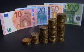 Официальный курс евро вырос на 54 копейки
