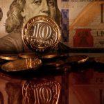 Биржевой курс евро достиг 70 рублей впервые с ноября