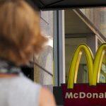 Российский McDonald's открестился от плесени