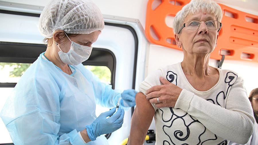 Россиянам предложат только отечественную вакцину от гриппа