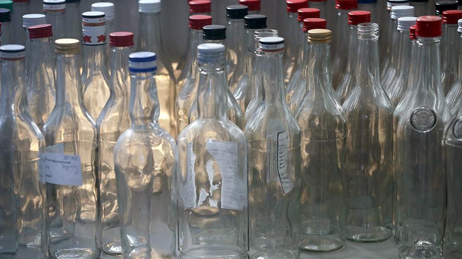 Спиртное переведут на отечественные рельсы