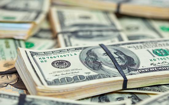 Россиянам посоветовали отказаться от доллара