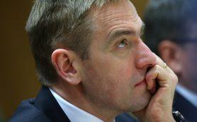 Минфин РФ не будет сокращать покупку валюты в этом месяце