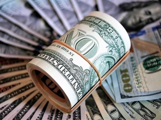 В обменниках сообщили о дефиците долларов и евро