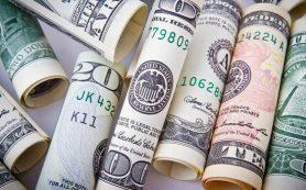 Вкладчики Русского Торгового Банка не могут получить страховку наличными в первый день выплат