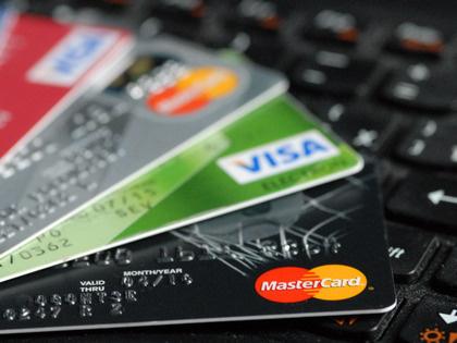 Путин ужесточил наказания за кражу денег с банковских карт
