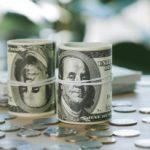 На помощь рублю придут налоги