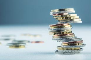 Негативные прогнозы не подтвердились: рублю продлили рост