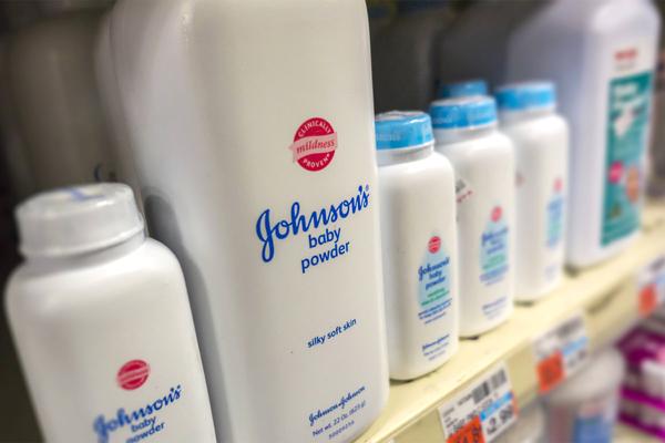 Корпорация J&J выплатит 4,69 миллиарда долларов напуганным детской присыпкой