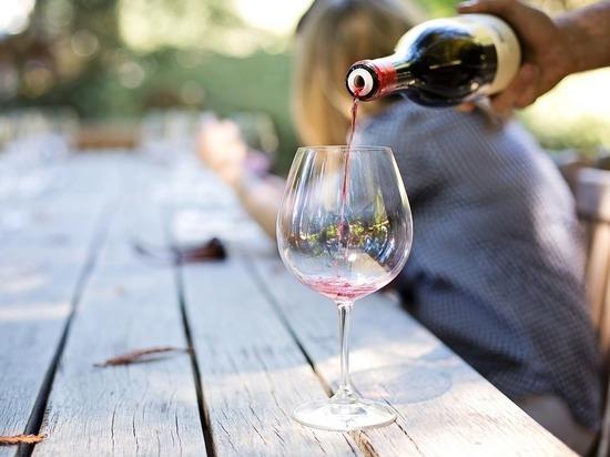 Российское вино подорожает: потребитель заплатит за новую маркировку