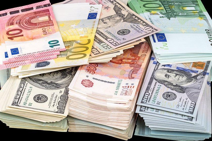 Банковский сектор РФ заработал за десять месяцев 1,7 трлн рублей