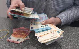 Евро и правдой: российские банки не спешат расставаться с валютой ЕС