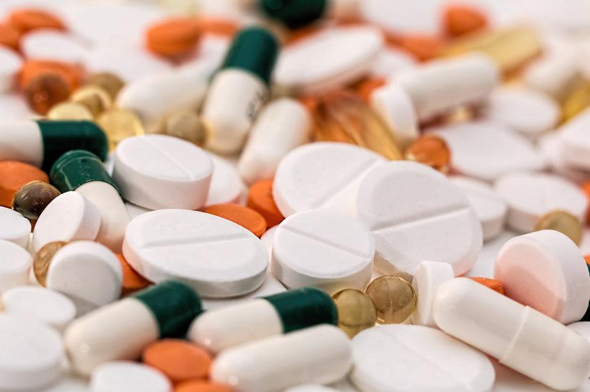 Обязательную маркировку лекарств растянули на полгода