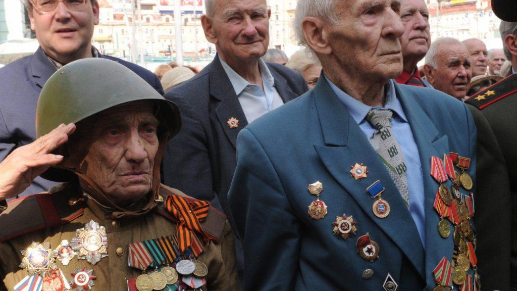 Для выплаты 71 млрд власти срочно нашли миллион ветеранов ВОВ