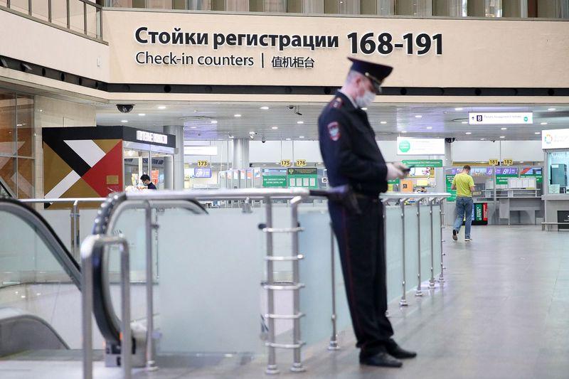 Россия прекращает все авиасообщение с другими странами