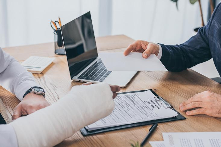 Мир страхования – безопасность клиента
