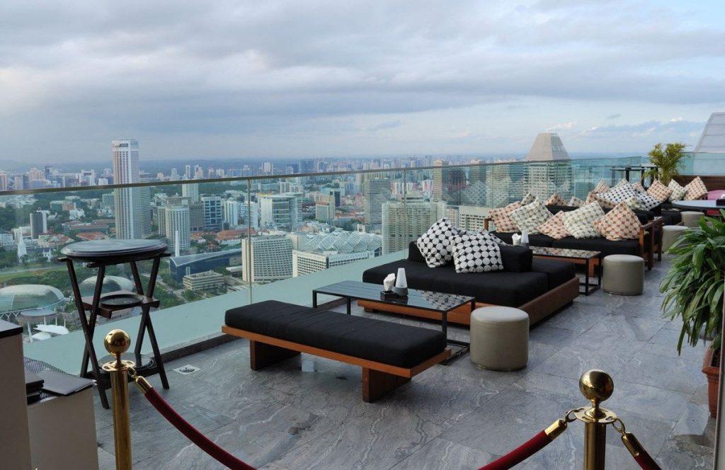 Самые удивительные бары на крышах