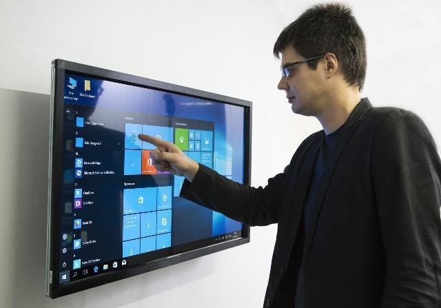 Выбор интерактивного дисплея