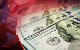 Аналитики рассказали, как доллар помогает рублю укрепиться
