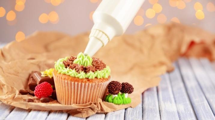 Разнообразные ингредиенты для создания сладостей