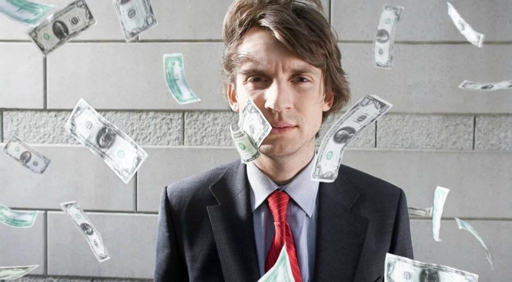 СМИ: в крупнейших банках сократили выплаты банкирам