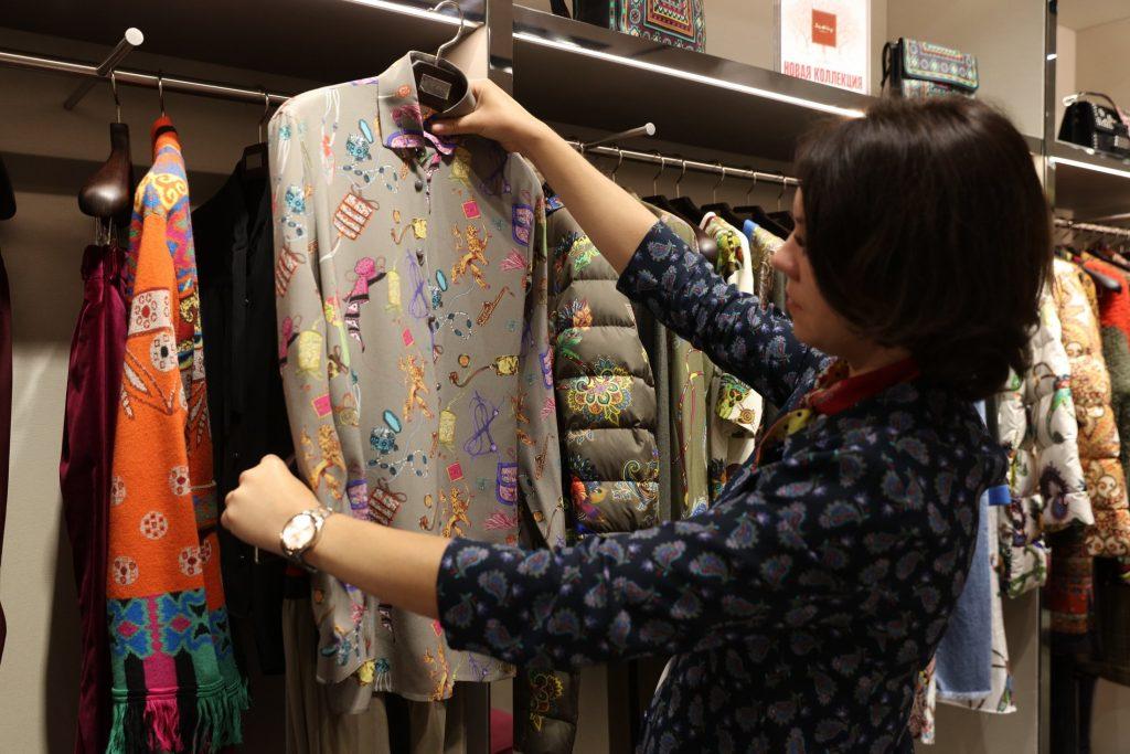 Минпромторг ответил на сообщения о росте цен на одежду и обувь