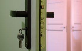 В России начали распродавать жилье должников: стоит ли покупать