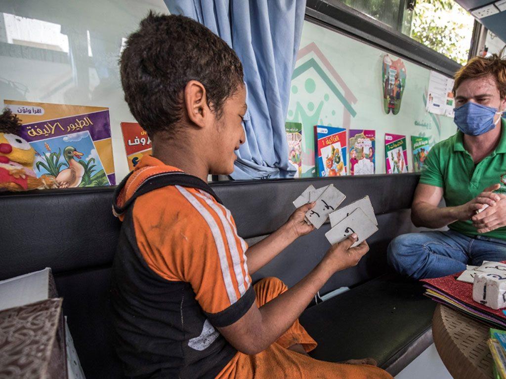Азиатский банк развития: пандемия подтолкнула к крайней бедности до 80 млн человек в Азии
