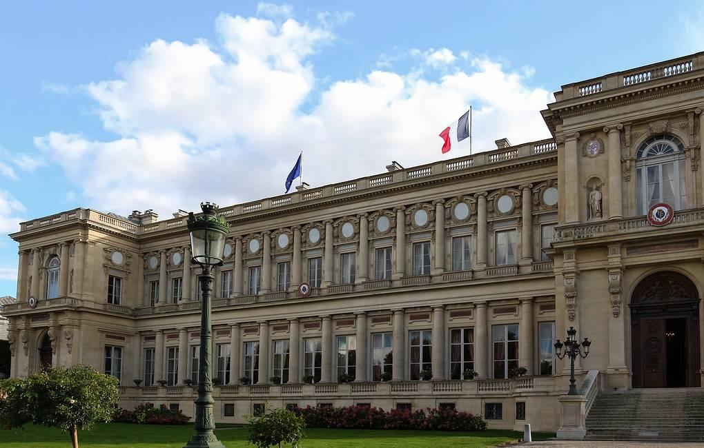 МИД Франции назвал атакой на ЕС объявление Польшей приоритета своей конституции